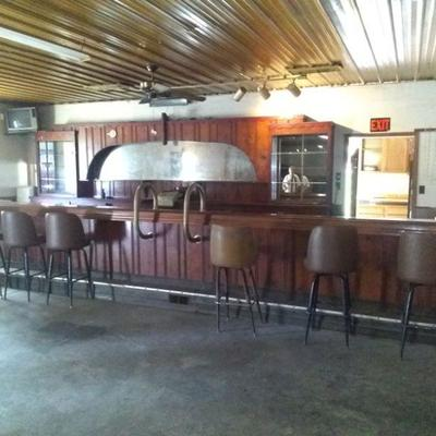 Bar and barback from St Louis