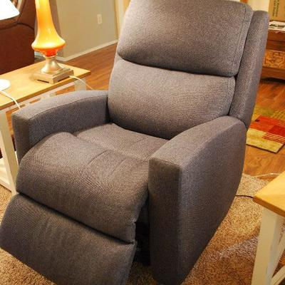 PENDING 160-112 Electric recliner w/USB port.  Adjustable cervical support.  Purchased at Roby's 7 months ago. $225