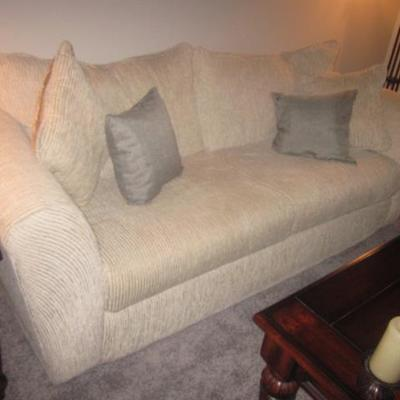 Beautiful Gently Used Living Room Suite