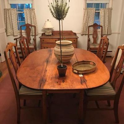 Dropleaf Pine table