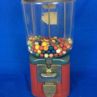 Gumball Machine w/ change inside!