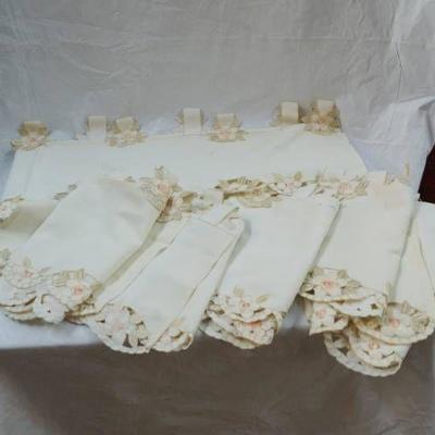 Lot of at least 6 (maybe 8) Vintage Floral Valance ...