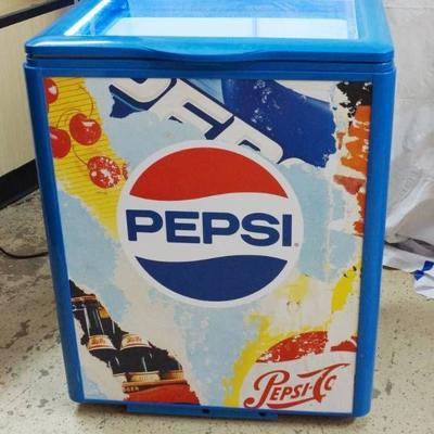 Cool Light Up Pepsi Chest Cooler - LIKE NEW GETS C ...