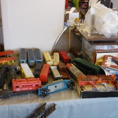 Vintage Toy Trains and Model Railroads