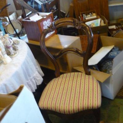 Antique bustle chair