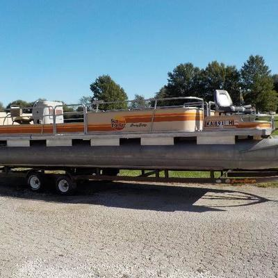 1985 26' Bass Tracker party barge pootoon boat wit ...