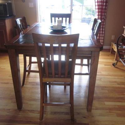 Thomasville Dining Suite