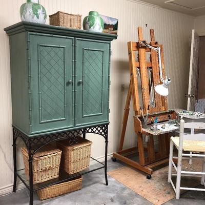 Very nice tv cabinet or storage