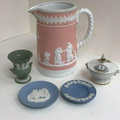 DG08: 5 pieces of Jasperware --two are marked Wedgwood   https://www.ebay.com/itm/113945947847