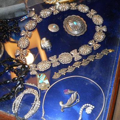 JEWELRY * Over 4,000 pieces of retro jewelry, signed and unsigned, some European * Fine vintage jewelry including 14k gold and gems *...