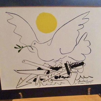 Pencil signed Picasso litho: Dove of Peace