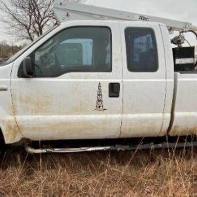 2005 Ford F250 4x4 White Truck