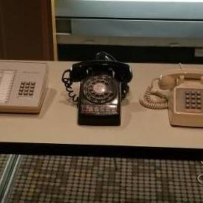 Lot of Old Vintage Desk Phones
