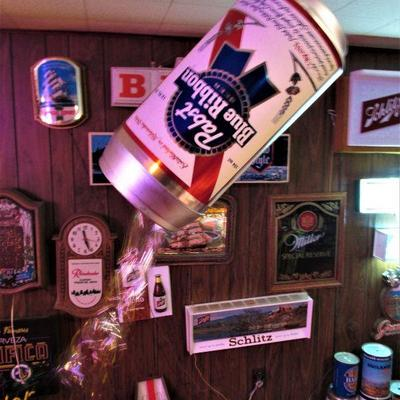 Ultra rare electric Pabst pouring can display