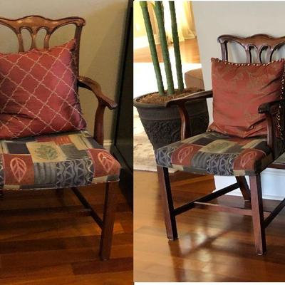 https://www.ebay.com/itm/114000939711  BG0009: 2 Traditional Dinning Room Captain's Chairs $100 OBO Local Pickup