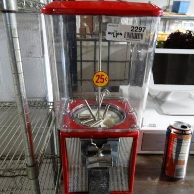 Northwestern single head candy machine w key