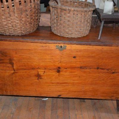 Very early blanket chest, amazing old wood!