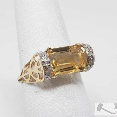 10k Gold Topaz Ring, 1.7g This Beautiful 10k gold topaz ring weighs approximately 1.7g and is approximately a size 6.5 Metal Type: Yellow...