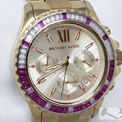 Authentic Michael Kors Wristwatch Model number MK-5871 Measures approximately 46mm