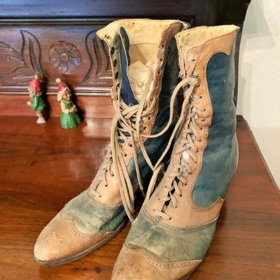 NO LONGER AVAILABLE-FAMILY KEEPING. SORRY Victorian Ladies lace up shoes/boots