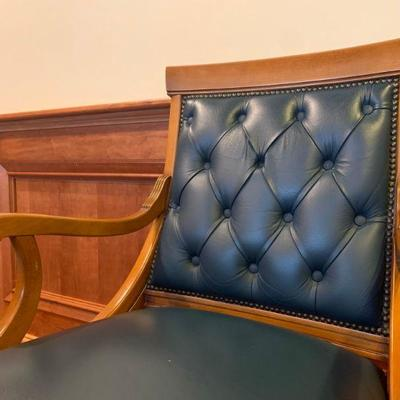 Tufted Back Executive Chair