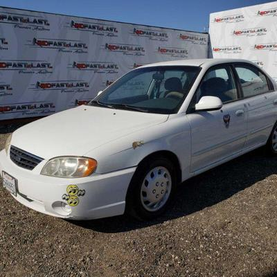 130: 2003 Kia Spectra, White, See Video! DEALER OR OUT OF STATE BUYER ONLY !! DEALER OR OUT OF STATE BUYER ONLY!!   RUNS GOOD WONT SET...