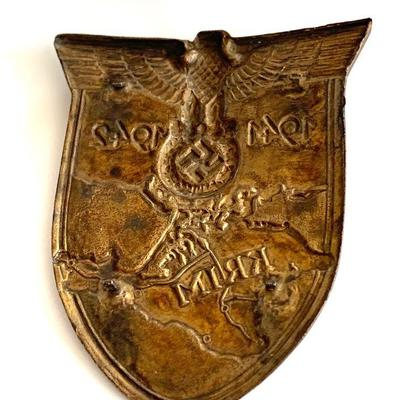 1941-1942 CRIMEA SHIELD KRIMSCHILD WWII The Crimea Shield was a World War II German Military decoration awarded to military personnel...