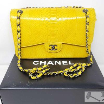 RARE LIKE NEW Authentic Chanel Genuine JUMBO Classic Double Flap Bag with Box