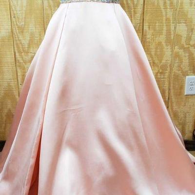 789: Tony Bowls Paris Dress With Jeweled Waist Tony Bowls Paris Dress With Jeweled Waist, Size 12! IN GREAT CONDITION!