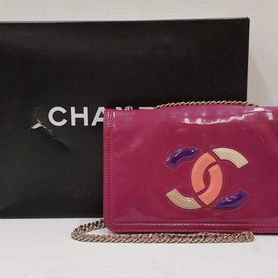 347: Authentic Chanel Cross Body Purse ** Authenticated** Chanel Cross Body Purse Comes with the original box.