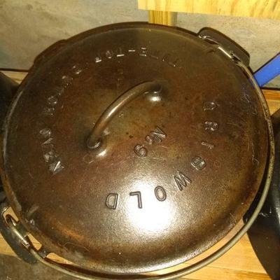 Griswold #9 Dutch oven