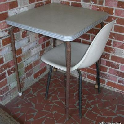 Small Outdoor Table/one chair