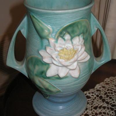 Roseville Water Lily Pottery Vase
