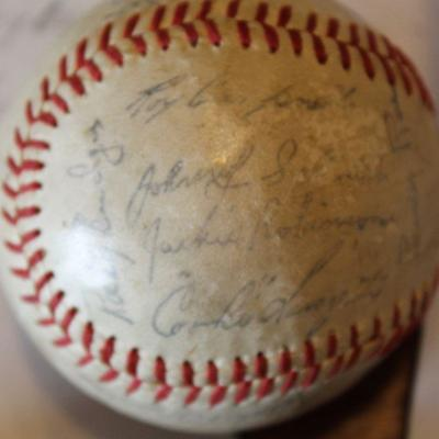 JACKIE ROBINSON SIGNED BASEBALL NAME