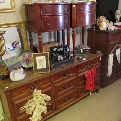 Well made vintage bedroom set - nice!