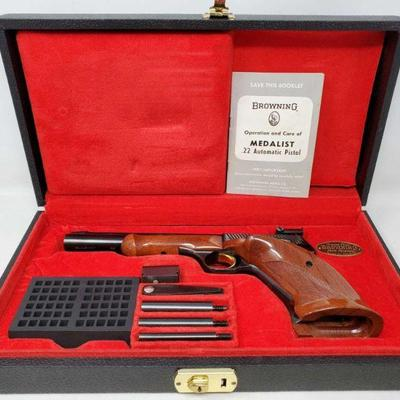 155: Browning Medalist .22lr Semi-Auto Pistol with Red Velvet Lined Display Box Serial Number: 108642T8 Barrel Length: 6.75