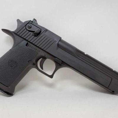 160: Magnum Research Desert Eagle .44Mag Semi-Auto Pistol with 3 Magazines and Case Incudes 3 magazines and Case  Serial Number:...