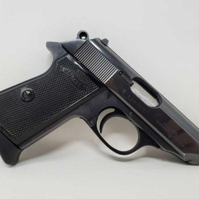 175: Walther PPK/S 9mm Semi-Auto Pistol with 7 Round Magazine and Case Serial Number: 176382 Barrel Length: 3