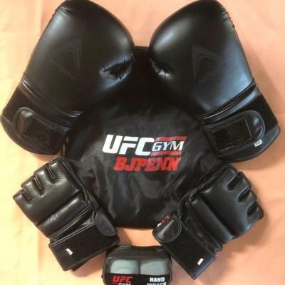 DCK017 UFC Gym BJ Penn Sparring and MMA Gloves Set