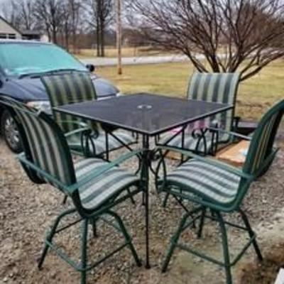 Bar Height Wrought Iron Table with 4 Chairs