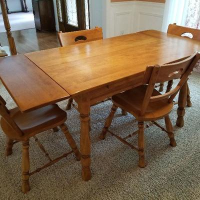 Lot # 1 - $350 Vintage Dining Room Table & Four Chairs with pull out end leafs that pull up and then out to extend this beautiful table....