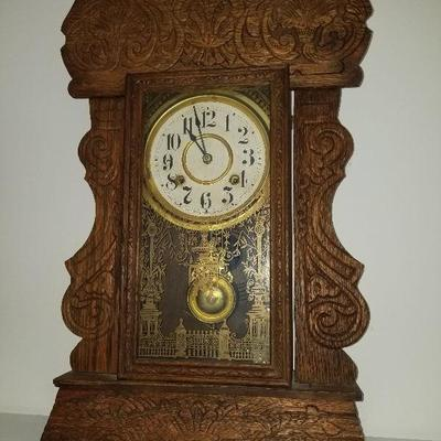 Lot # 7 - $ 80 Vintage Wood Clock (Please check the next pic to show the crack in the front glass). :(