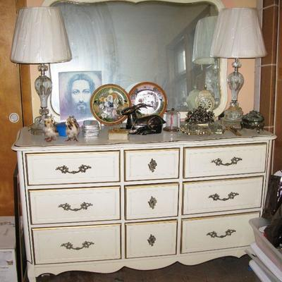 white dresser with mirror  BUY IT NOW $ 145.00