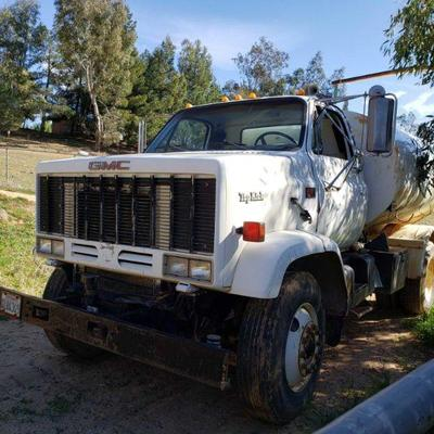 70: 1989 GMC Top Kock 7000 Diesel Water Truck VIN: 1GDM7D1Y3KV510451 Mileage: 77,061 Manual transmission