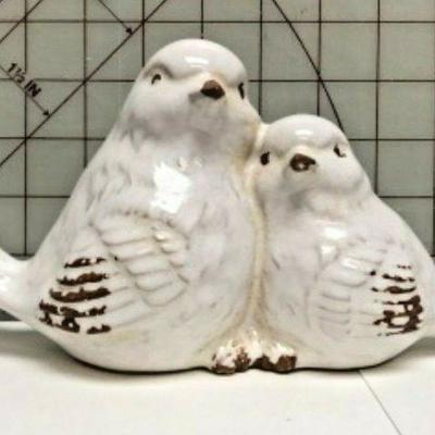 https://www.ebay.com/itm/114113096488 SM3041: PAIR OF WHITE CERAMIC BIRDS