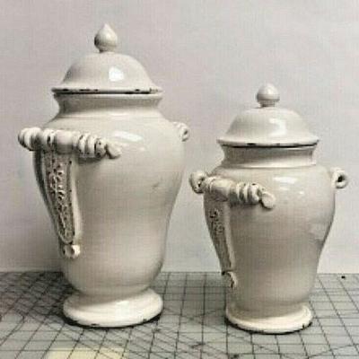 https://www.ebay.com/itm/124082616333 SM3048: TWO WHITE CERAMIC JARS WITH LIDS