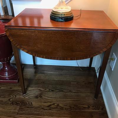 Wellington Hall Federal style drop leaf table $275 28 X 39 1/2 X 26