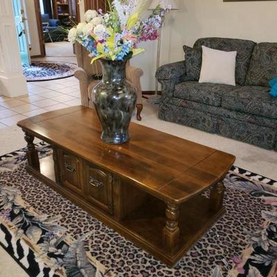 SOLID WOOD COFFEE TABLE WITH STORAGE $95