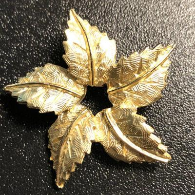 Vtg 5-leaf brooch pin