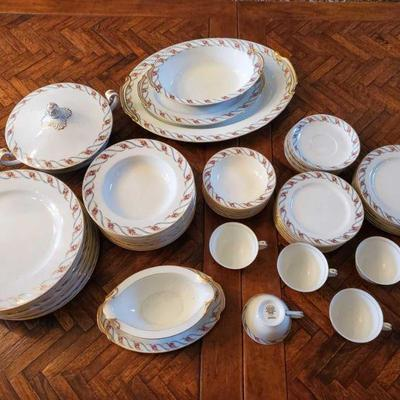 65-Piece Noritake Maywood 5154 Includes tea cups(5), saucers(7), gravy bowl, covered vegetable bowl, dinner plates(11), salad plates(7),...